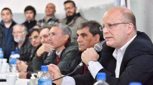 Contigiani advirtió que mientras que la planta estuvo cerrada se han importado casi 400 mil llantas.