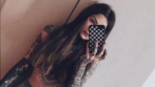 Candelaria Tinelli publicó una selfie hot con el torso desnudo desde Nueva York