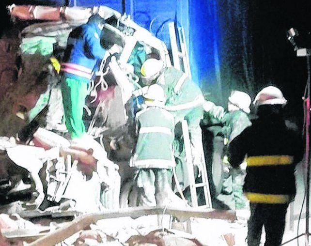 Camión siniestrado. La víctima fatal quedó atrapada en la cabina.