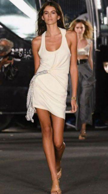 Con sólo 16 años, la hija de Cindy Crawford se convirtió en la revelación de Fashion Week