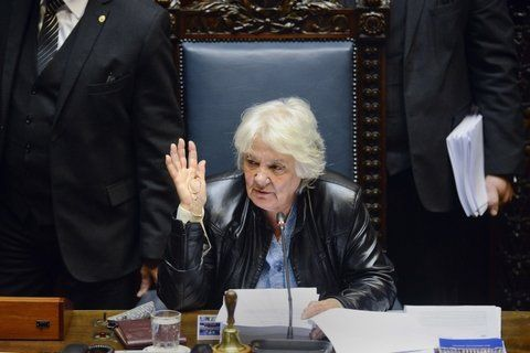 La elegida. Topolansky asume al cargo por ser la segunda senadora más votada del oficialista Frente Amplio.
