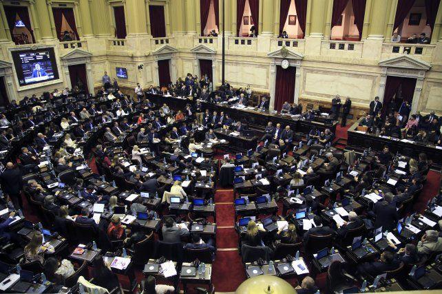 Diputados aprobó un proyecto para restablecer hasta tres feriados  puente