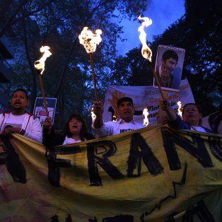 Familiares, amigos y organizaciones políticas y sindicales participaron de la marcha.