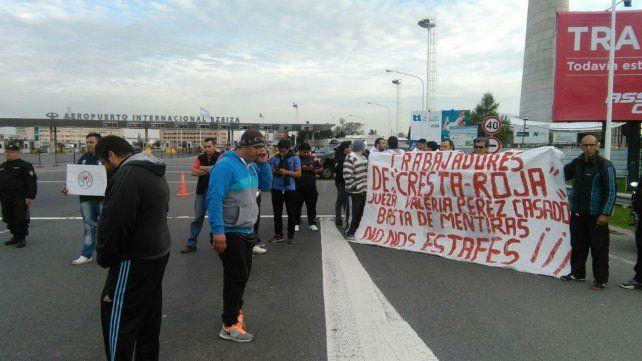 Cresta Roja: vuelven despidos y cortes