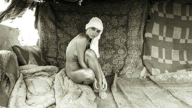 Una modelo se desnudó frente a las pirámides y desató la ira del gobierno de Egipto