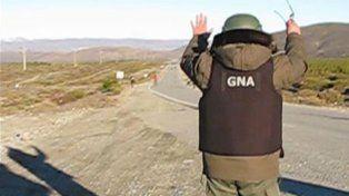 Uniforme. Un gendarme en el procedimiento del 1º de agosto en Chubut.