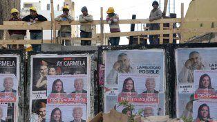 En el cartel. La publicidad electoral volverá a vestir la ciudad.