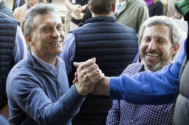 Saludos. Macri y Frigerio timbrearon en territorio entrerriano.