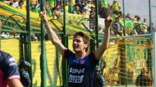 El goleador. Franco Soldano convirtió el primero y el tercero del equipo tatengue.
