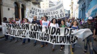 En Rosario, la marcha unificó los reclamos por López y Maldonado.