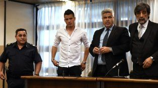 sala. El futbolista de Temperley, cuyo pase pertenece a Independiente, ayer en el tribunal de Lomas de Zamora.