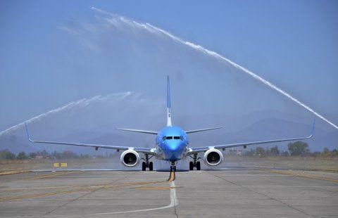 pista. AA ahora suma 42 aeronaves Boeing versiones 700 y 800.
