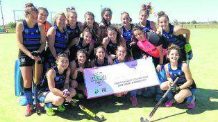 Universitario. Las chicas debutaron con victoria ante Sportivo (LP).