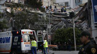 Al menos 44 muertos y personas atrapadas entre los escombros por el terremoto en México