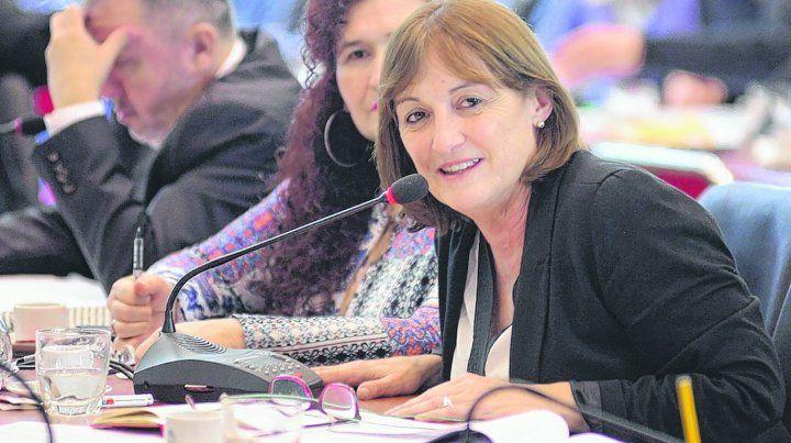 respuestas. La diputada Ciciliani pidió explicaciones al ministro Dujovne sobre las razones por las cuales no se incluyó en el Presupuesto el pago a Santa Fe.