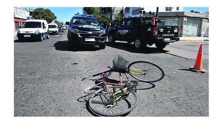 en la calle. La bicicleta de don Osvaldo J.