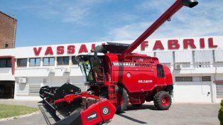 Empleados de la fábrica de cosechadoras Vassalli denuncian suspensiones por causas falsas