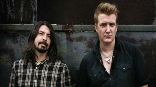 Dave Grohl (Foo Fighters) y Josh Hommes (Queens Of The Stone Age), cuando formaron parte de Them Crooked Vultures.