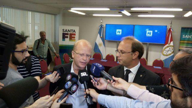 Los ministros Contigiani y Saglione.