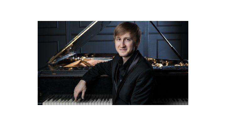 Dmitry Masleev ganó el Concurso Tchaikovsky de 2015.