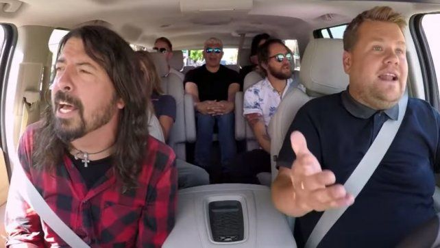 Los Foo Fighters cantaron sus éxitos en el Carpool Karaoke de James Corden