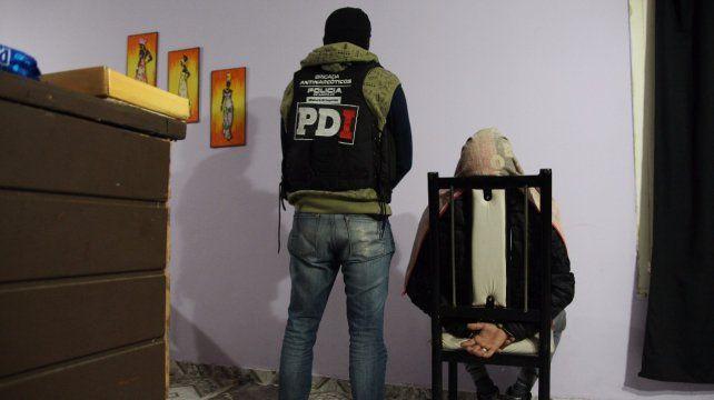 Detenidos. Personal de la PDI arrestó a seis personas en el marco del operativo.