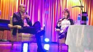 Sacheri participó de una entrevista pública coordinada por la profesora Marcela Moltó.