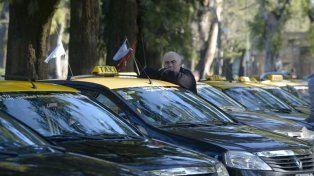 Baja rentabilidad. Según las cámaras del sector, los rosarinos cada vez viajan menos en taxi.