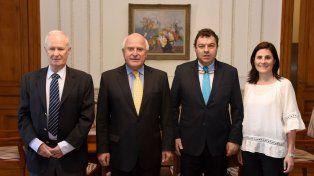 En Colombia estamos en los primeros pasos de un importante proceso de pacificación, dijo.