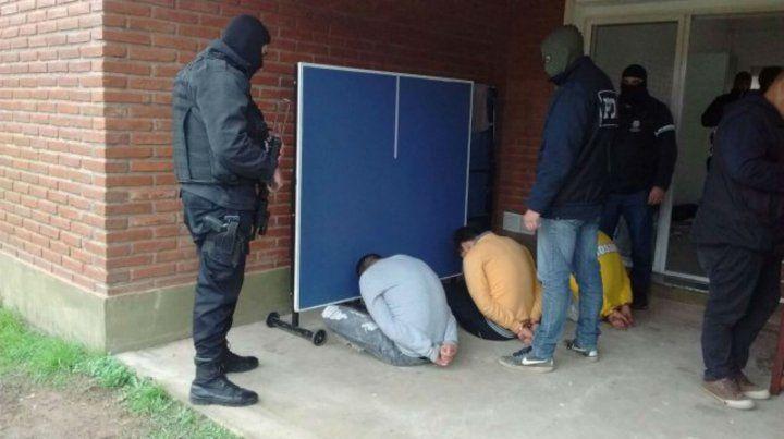 Atrapados. La banda cayó en julio de 2016 en seis allanamientos realizados en Rosario y uno en Funes.