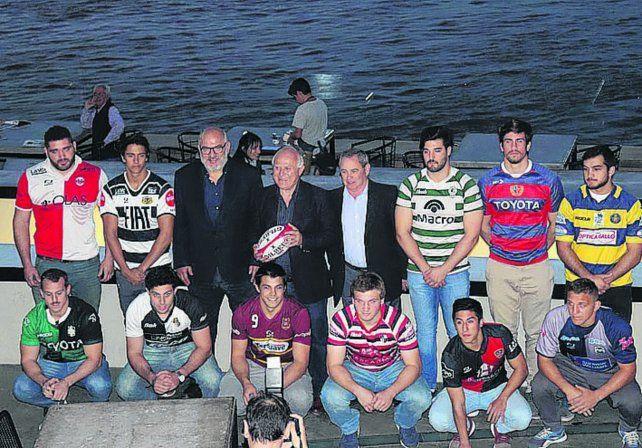 El gobernador Lifschitz posó para la foto con los capitanes de los equipos que participarán del certamen.