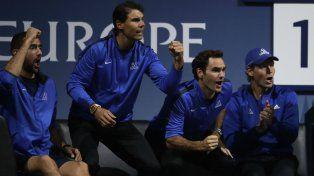 Muy metidos. Cilic, Nadal, Federer y Berdych durante el partido de Thiem ante Isner.