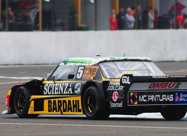 Poco veloz. El Torino encara una curva en La Pedrera. Ardusso se quejó de falta de velocidad al doblar.