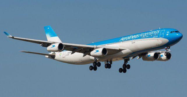 Un pasajero de 70 años murió en un vuelo de Aerolíneas Argentinas a Miami