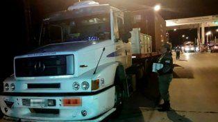 Gendarmería detuvo el camión con el precursor a la salida del peaje de Venado Tuerto, en un control vehicular.