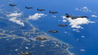 Aviones de Estados Unidos realizaron maniobras cerca de las costas de Corea del Norte.