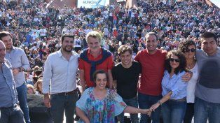 El Parque España fue escenario del acto político de los candidatos del peronismo santafesino.