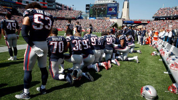La grieta yanqui. Los England Patriots se arrodillan durante el himno