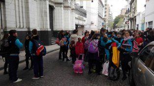 desalojo. Una de las instituciones educativas evacuadas en el marco de la ola de llamadas intimidatorias.