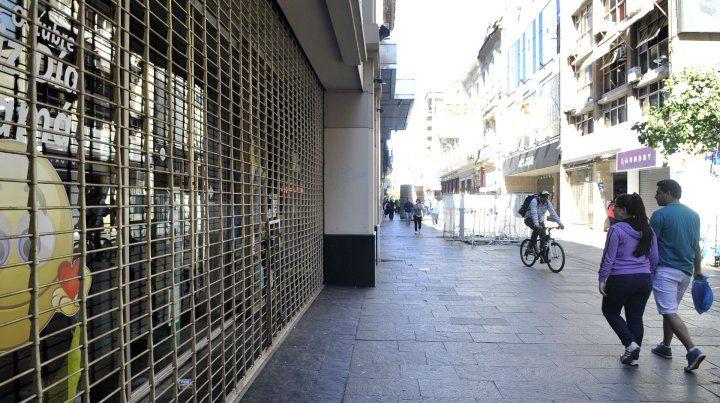 Por el Día del Empleado de Comercio, el miércoles cierran shoppings y supermercados