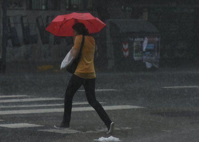 Se renovó el alerta meteorológico por lluvias y tormentas para Rosario y la región