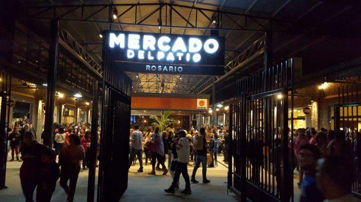 El Mercado del Patio abrió sus puertas con una fiesta ante una multitud