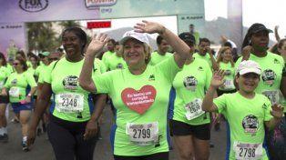 figura. La emoción de Balthazar en la maratón de tres kilómetros a orillas de la playa de Copacabana.