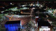 Una multitud acudió anoche a la inauguración del Patio del Mercado.