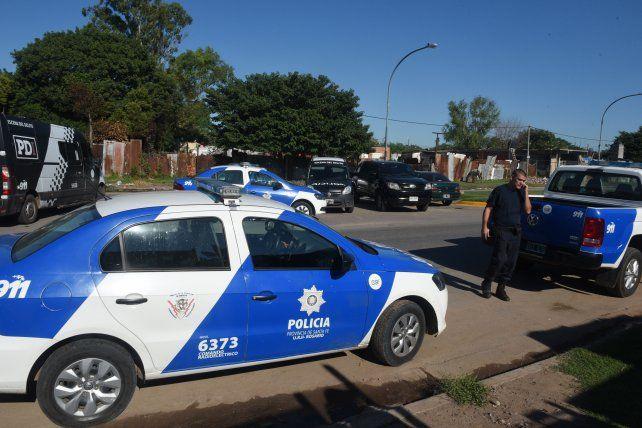 La policía logró la detención de los presuntos ladrones.