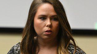 Kelsey McCarter confesó haber abusado sexualmente de un chico que pertenecía al equipo de fútbol americano que dirigía su marido.