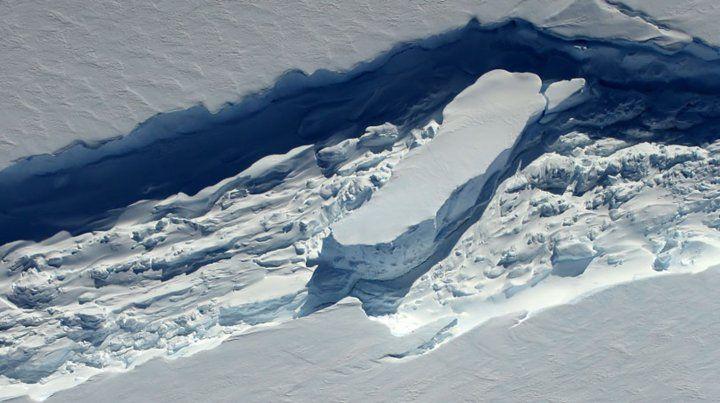 El glaciar Pine Island ya desprendió dos grandes masas de hielo en poco tiempo.
