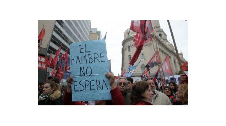 premisa. Los manifestantes proponen un salario social complementario.