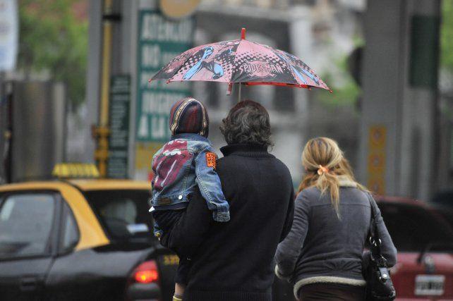 Hoy y mañana se esperan lluvias durante todo el día.
