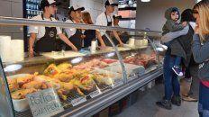 en el mercado del patio se consiguen precios de alimentos mas baratos que en el super
